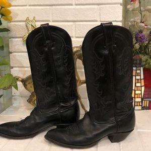 TONY LAMA black cowboy boots 😍